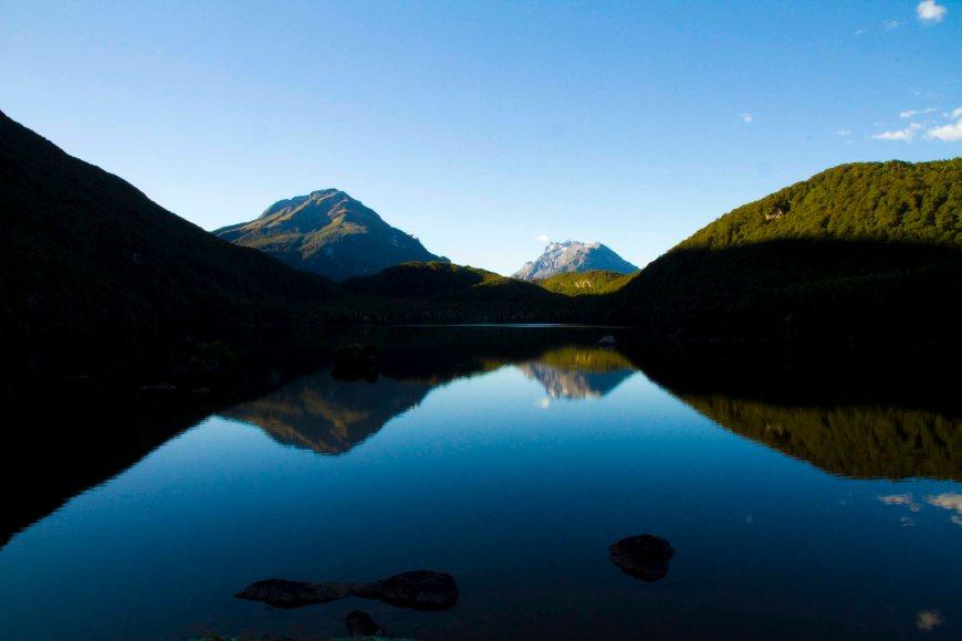 2. Wanaka Lake